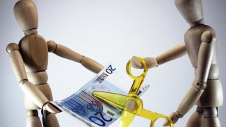 How Does Currency Devaluation Work?